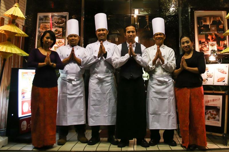 インドネシア人スタッフがお待ちしています